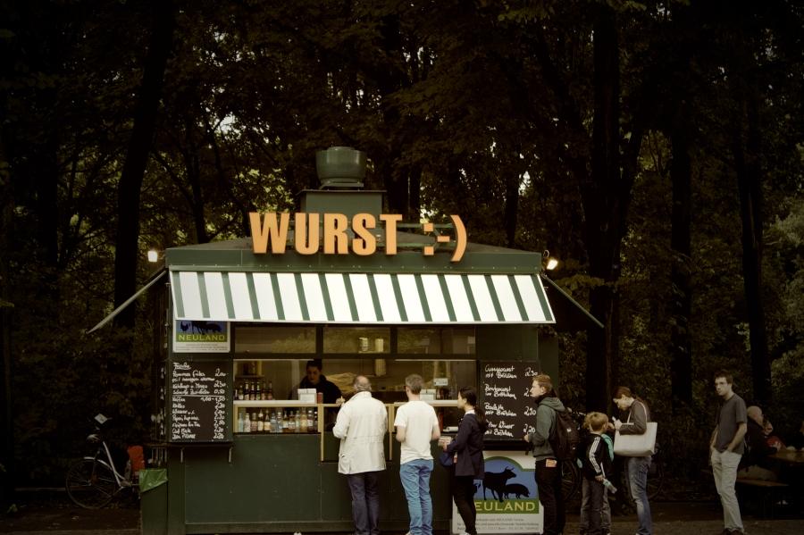 In der anstehenden digitalen Transformation geht es in Deutschland um die Wurst, gerade auch um radikalen Tendenzen vorzubeugen.