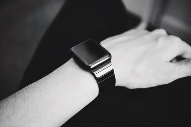 smartwatch-916404_1920